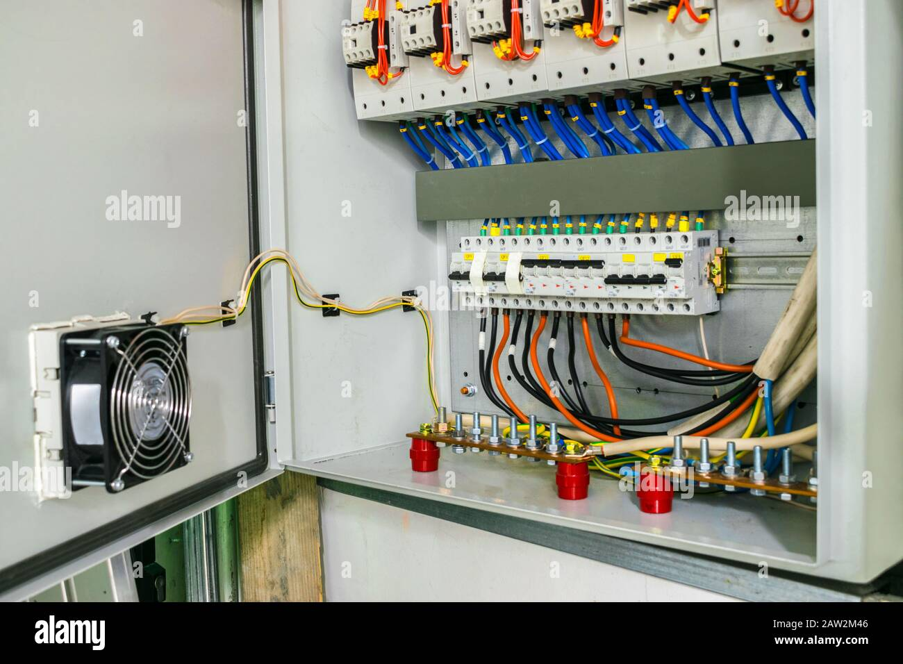 Electric power circuit breakers are in the fuse box. The wires with the  terminals are grounded in the electrical cabinet. Modern safe wiring Stock  Photo - AlamyAlamy