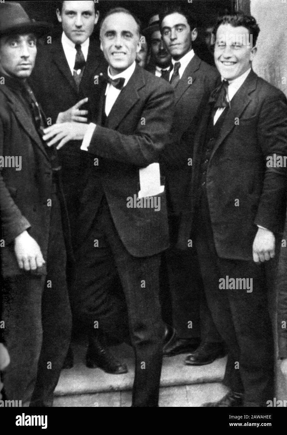 1924 , june , Roma , ITALY: The italian socialist GIACOMO MATTEOTTI (  Fratta Polesine 1885 - Roma 1924 ) in a photo ( at center , smiling ) few  days b Stock Photo - Alamy