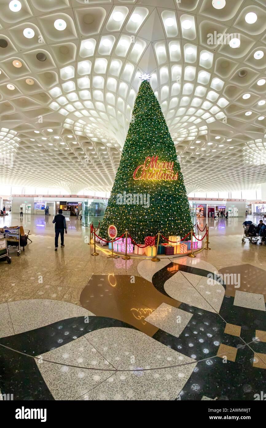 Mumbai Maharashtra India January 7 2020 Christmas tree in