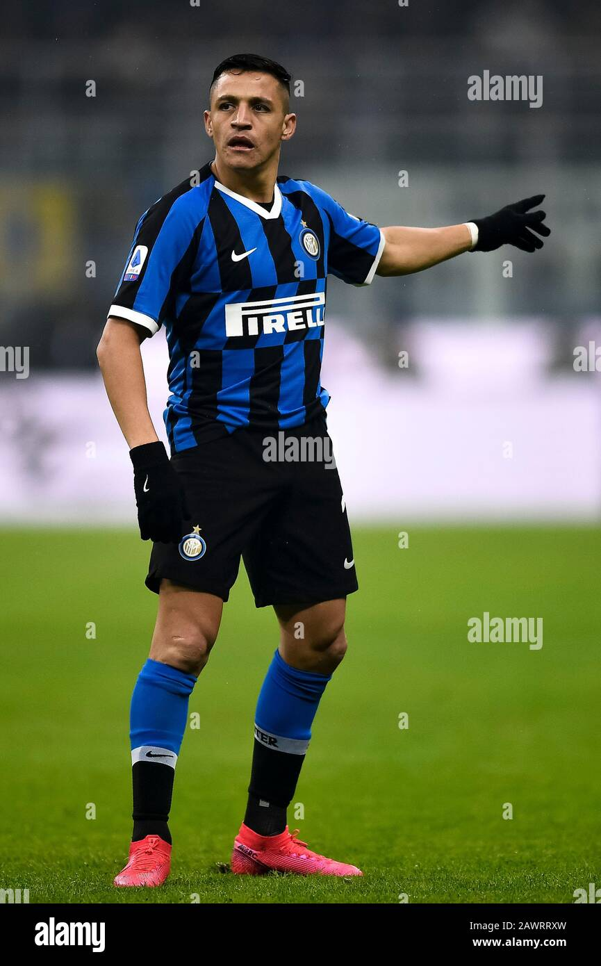 Milan Italy 09 February 2020 Alexis Sanchez Of Fc Internazionale Gestures During The Serie A Football Match Between Fc Internazionale And Ac Milan Credit Nicolo Campo Alamy Live News Stock Photo Alamy