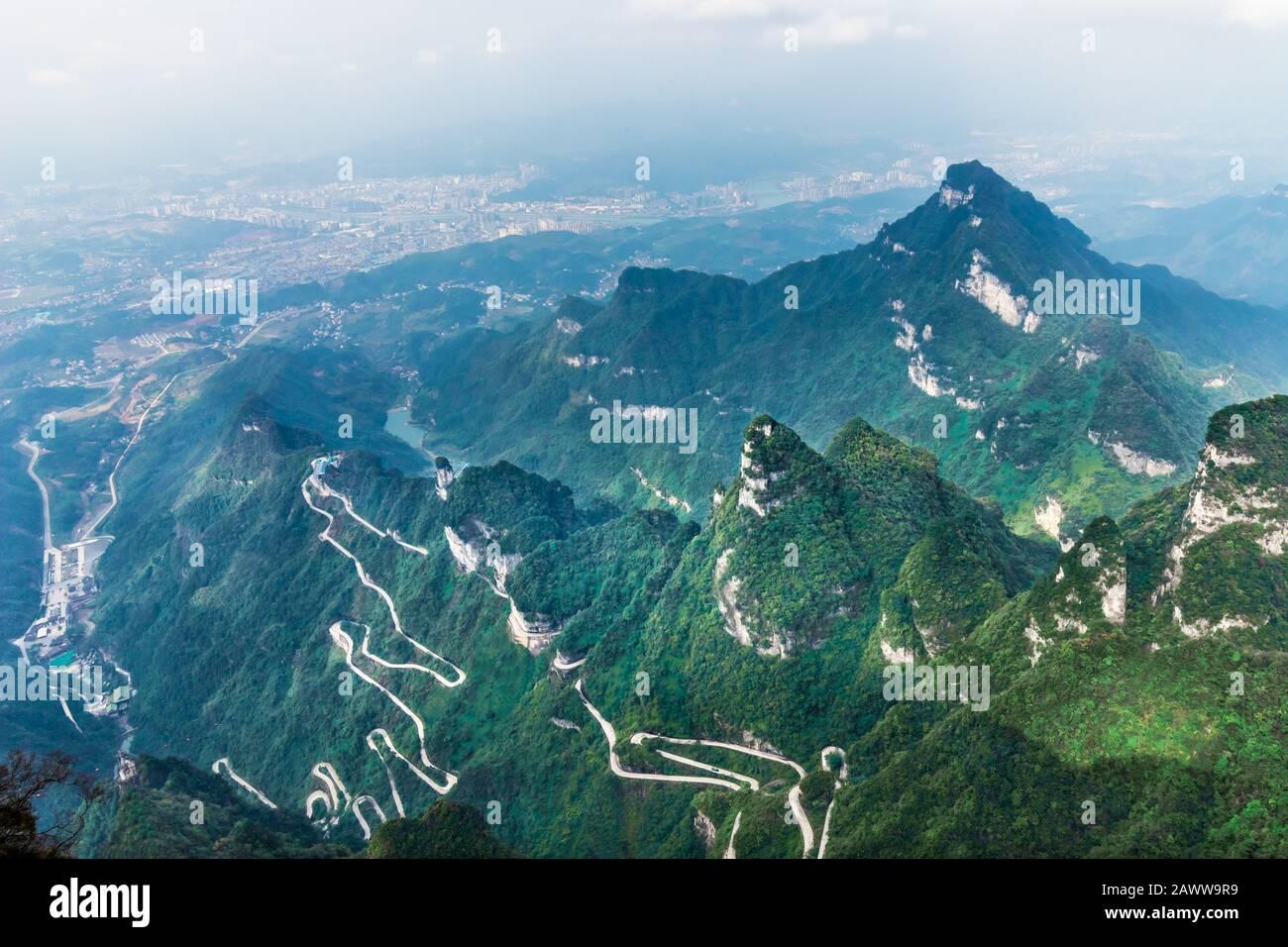 Heaven Linking Avenue of 99 curves at winding Road to The Heaven's Gate, Zhangjiagie, Tianmen Mountain National Park, Hunan, China Stock Photo