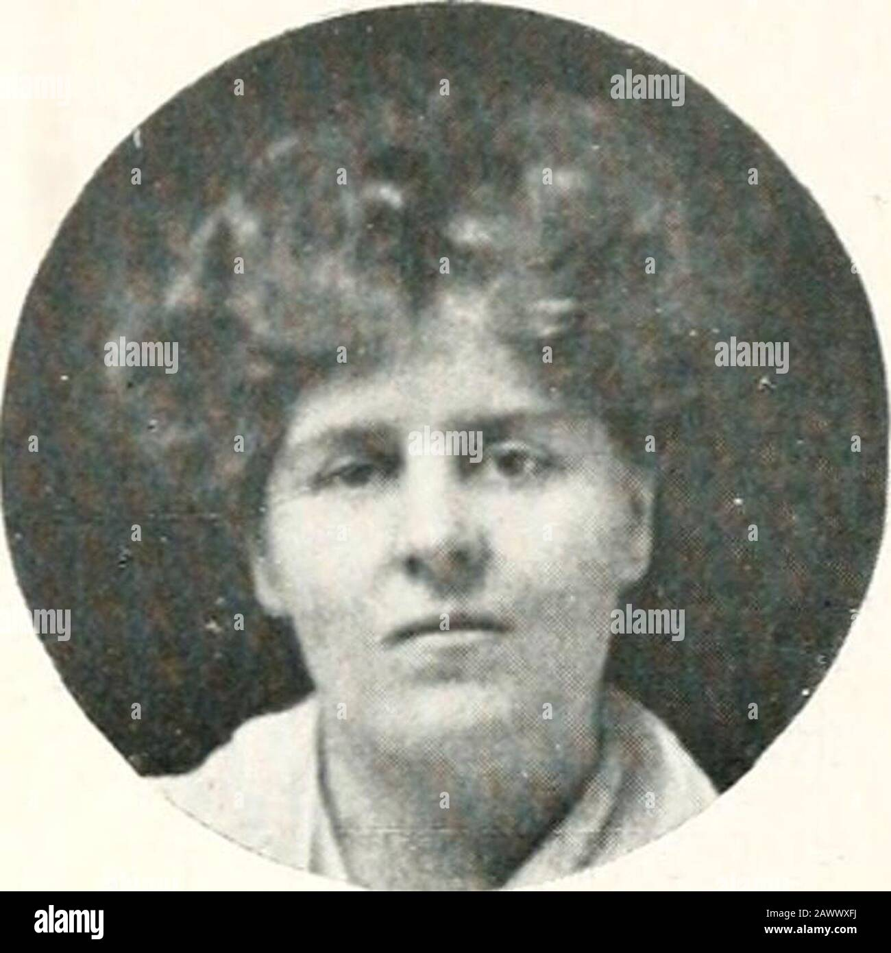 Photographic pedigree of the descendants of Isaac and Rachel Wilson . Robert Algernon Fox, born at Wellington, on 13th April, 1868. Educatedat Clifton College and Edinburgh University, M.B. Superintendent ofKockwood Asylum, Sydney. Married at Sydney on 17th June, 1903, age35, Julie Carlile Thomas, daughter of Thomas and his wife Margaret Carlile. She was born in England on Stli April, 1873 ; marriedat 29. ? Address : Rookwood Asvlum, Svdnev, Australia. Issue—One son. (a) Maldred Carlile Fox. born at on 20 290 Chap. II. § 2. IND. No. II D 6 b. (IX). FLORENCE MARY FOX = GERALD FOX. Florence Mary Stock Photo