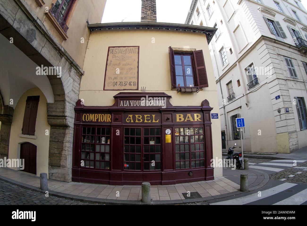 """Famous Lyons gastronomic restaurant """"Chez Abel, A la Voûte d'Ainay"""", Ainay district, Lyon, France Stock Photo"""