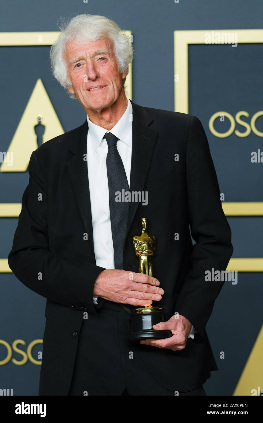 Hollywood, California, USA. 9th Feb, 2020. Dolby Theatre at the Hollywood & Highland Center, Hollywood, UK. 9th Feb, 2020. Roger Deakins poses with the Oscar for Cinematography in the film 1917 during the the 92nd Academy Awards, 2020 . Picture by Credit: Julie Edwards/Alamy Live News Stock Photo