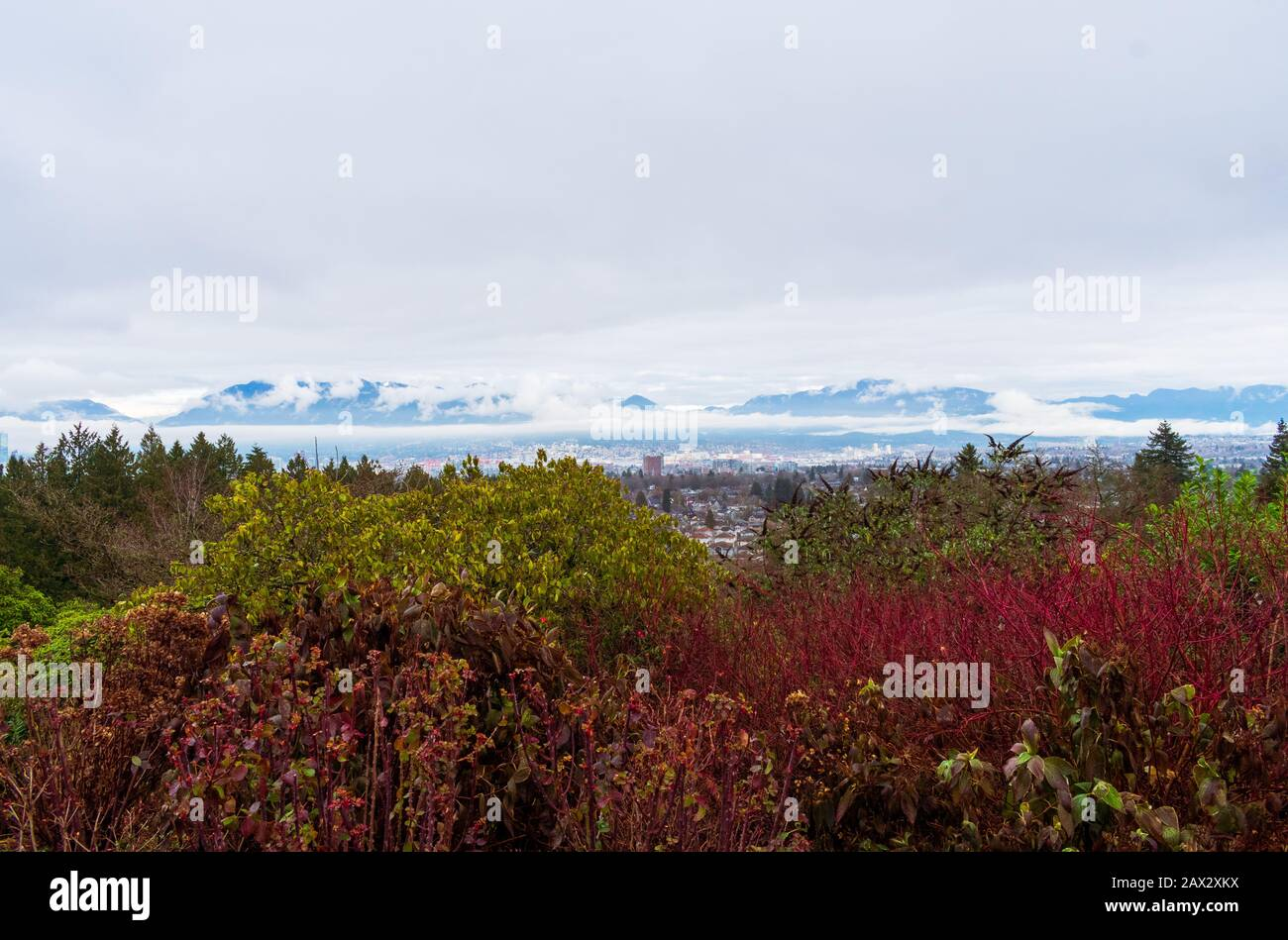 Vancouver, British Columbia Against Cascade Mountains Stock Photo