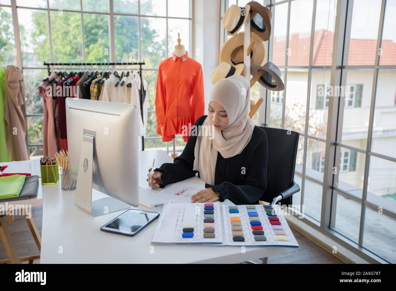 Muslim Fashion Designer High Resolution Stock Photography And Images Alamy