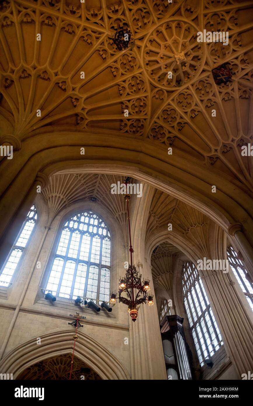 The soaring Bath Abbey dating from 1499 is right in the center of Bath, England featuring one of the finest fan vaulted ceilings in the country. Stock Photo