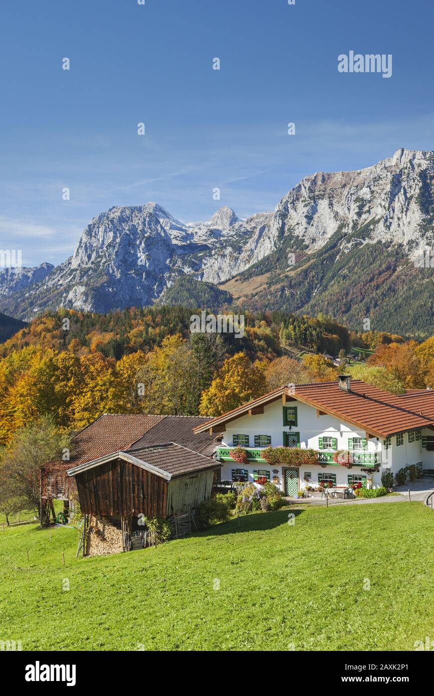 Farm in Ramsau, in the background the Reiter Alm, Berchtesgaden Alps, Berchtesgadener Land, Upper Bavaria, Bavaria, southern Germany, Germany, Europe Stock Photo