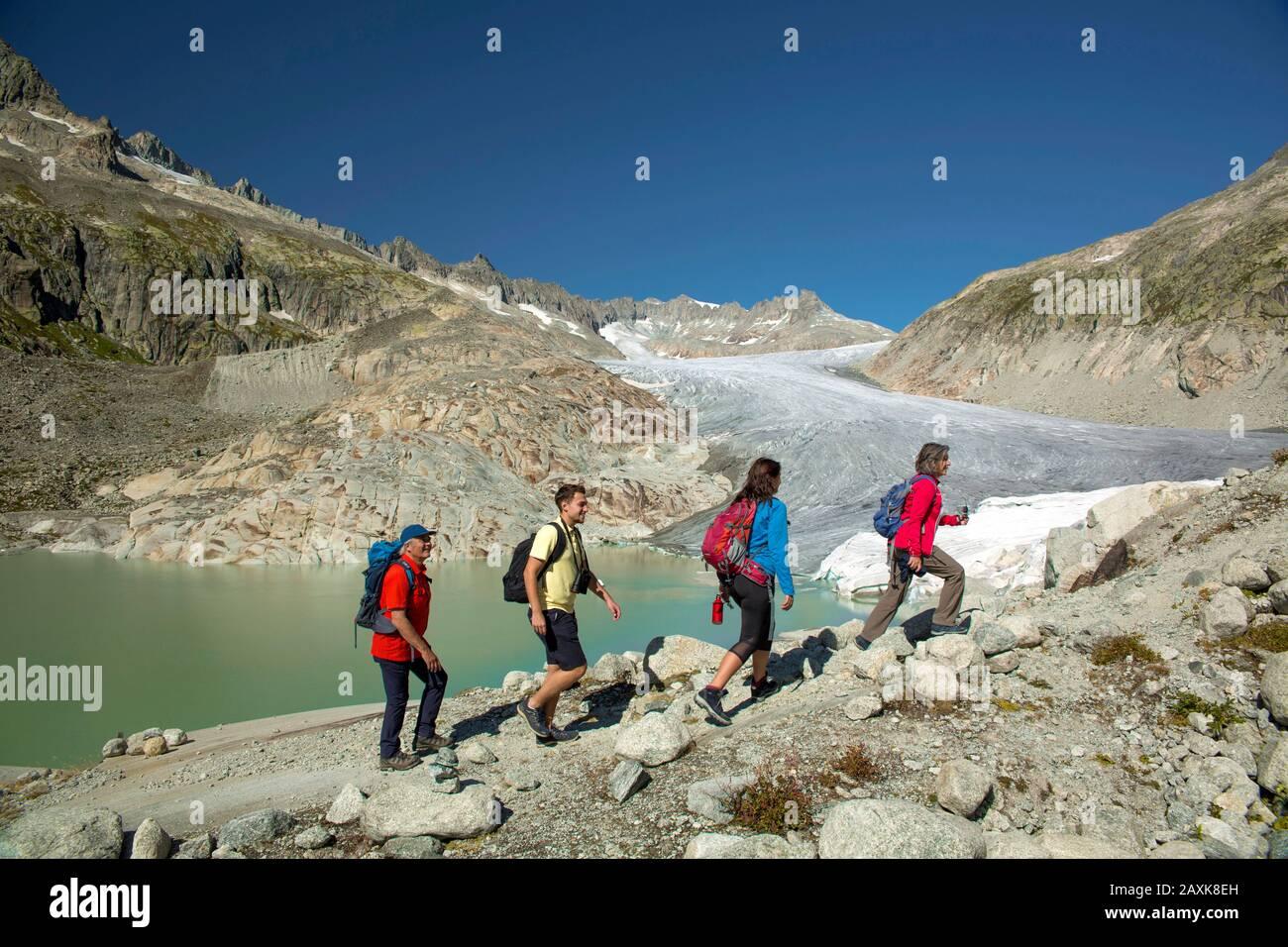 Wandern beim Rhonegletscher am Furkapass Stock Photo
