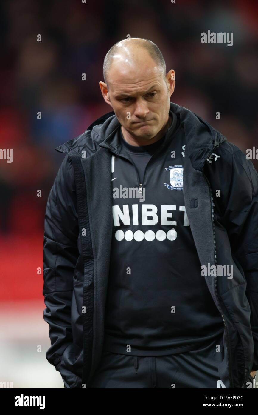 Preston north end manager betting spread betting ftse 350