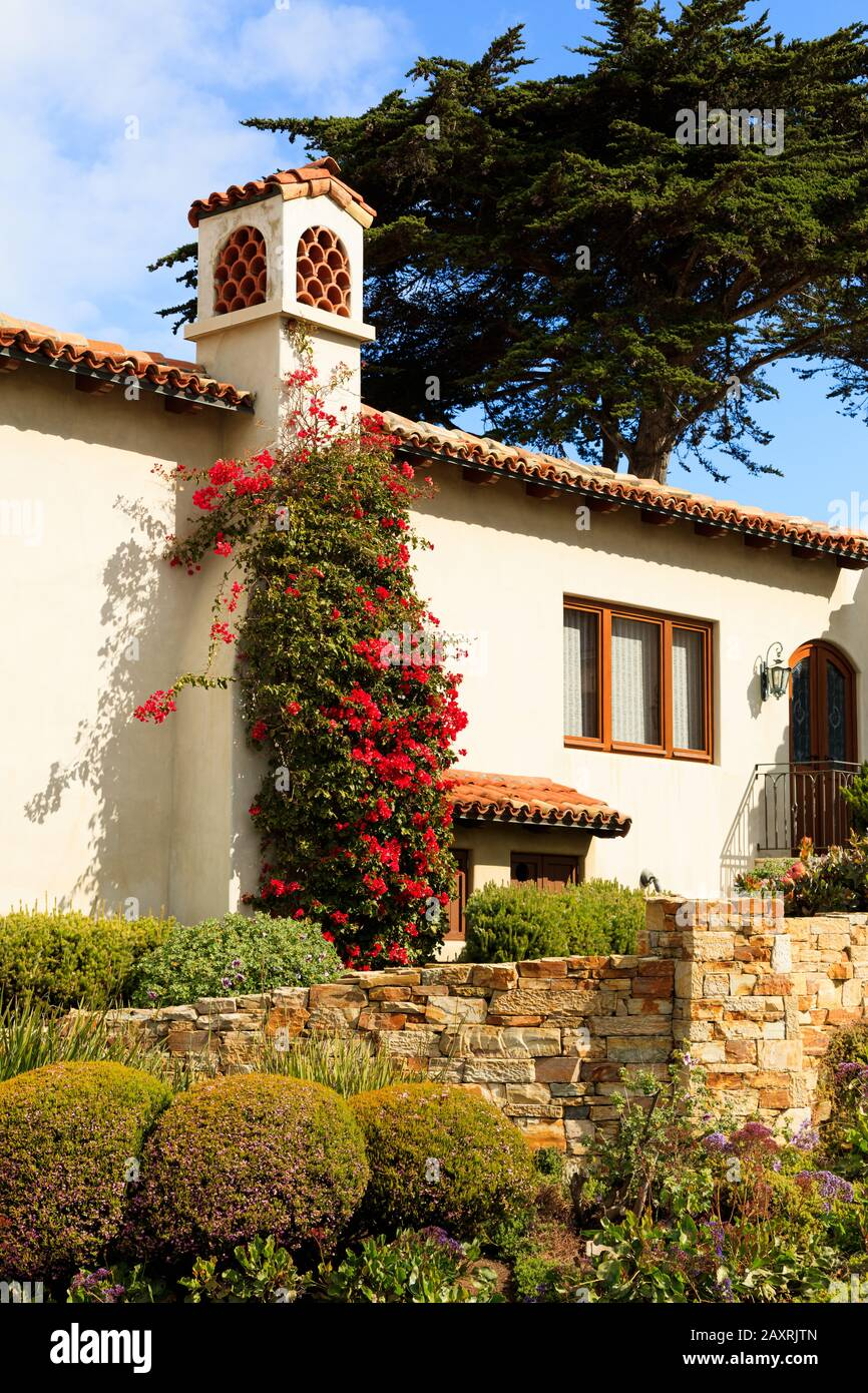 A Californian Spanish Style House Landscape Design And Garden