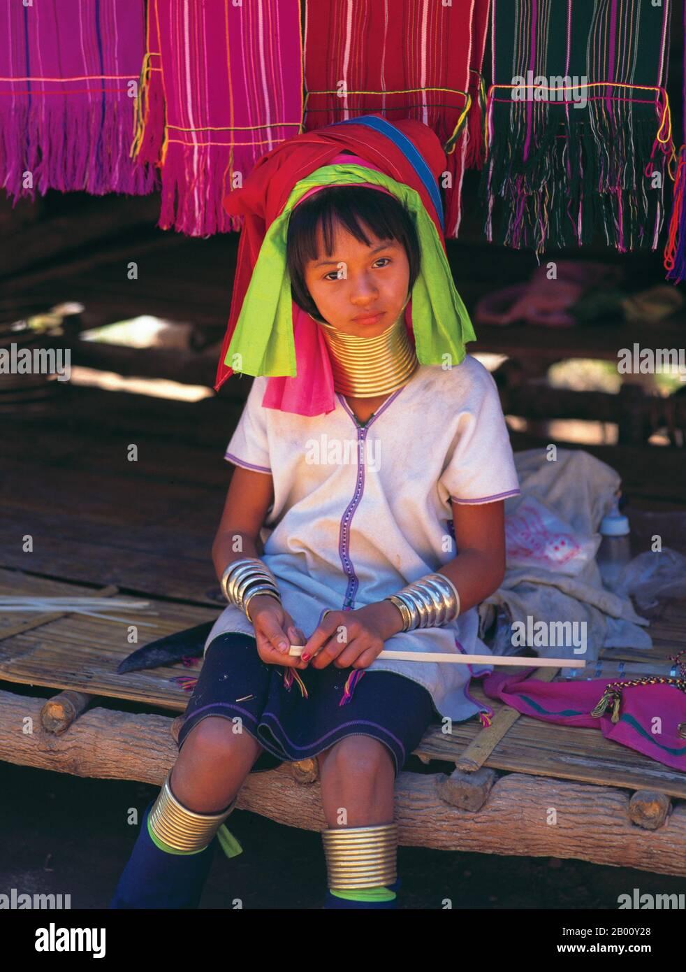 Thailand: Young Padaung (Long Neck Karen) girl, village near Mae Hong Son.  The Padaung or Kayan Lahwi or Long Necked Karen are a subgroup of the Kayan, a mix of Lawi tribe , Kayan tribe and several other tribes. Kayan are a subgroup Red Karen (Karenni) people, a Tibeto-Burman ethnic minority of Burma (Myanmar). Stock Photo