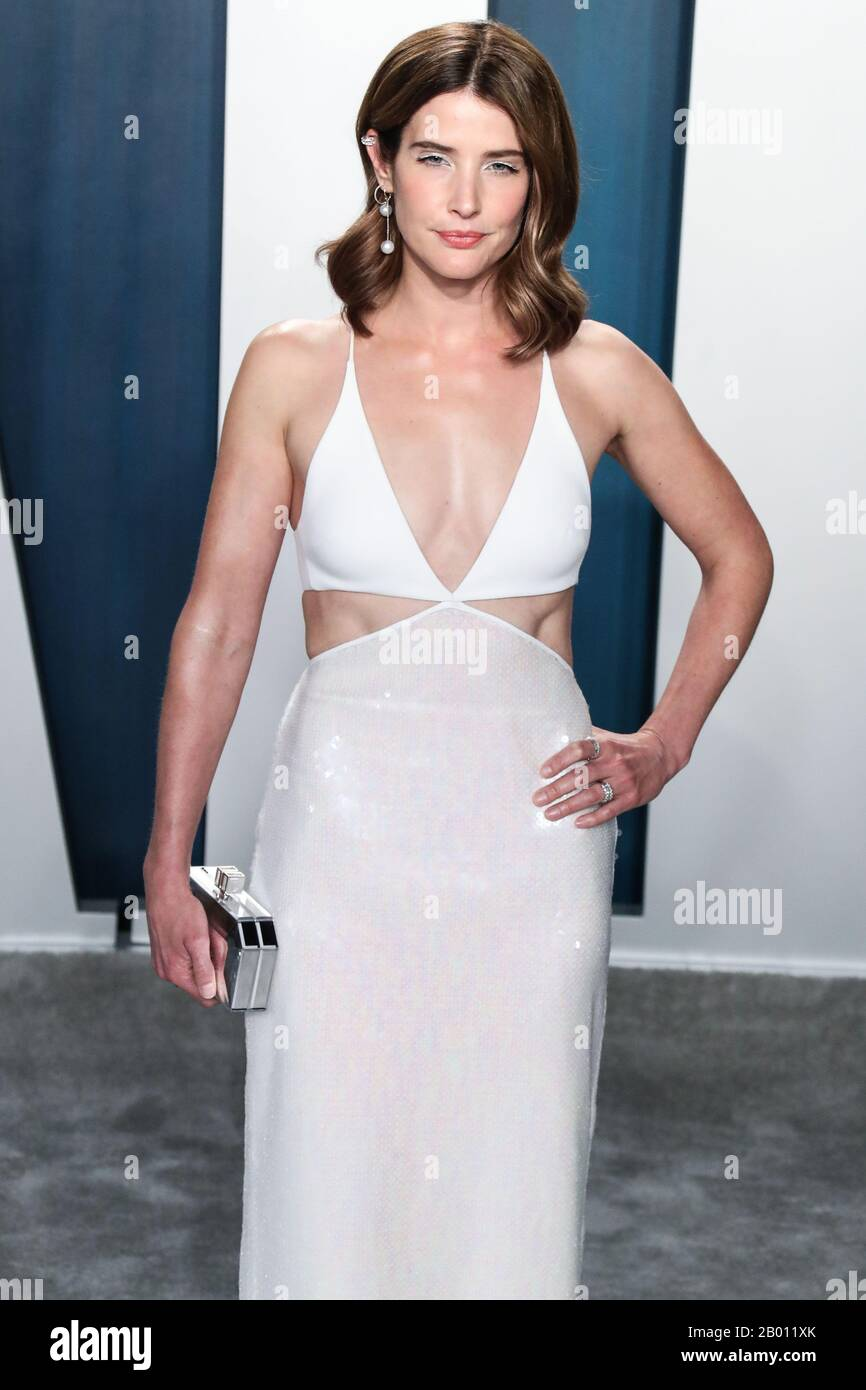 Beverly Hills Los Angeles California Usa February 09 Actress Cobie Smulders Arrives At The 2020 Vanity Fair Oscar Party Held At The Wallis Annenberg Center For The Performing Arts On February
