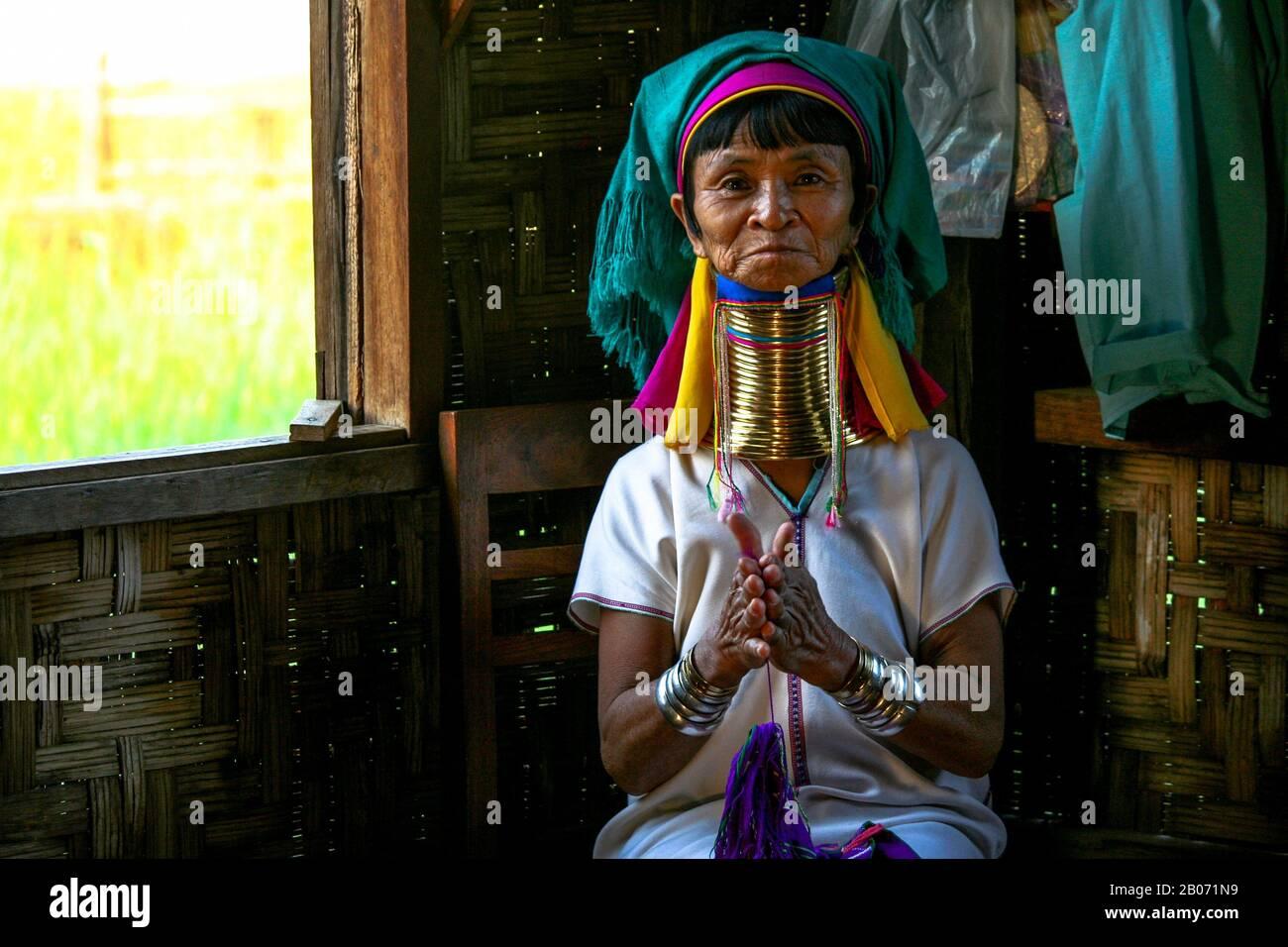Long-necked lady Kayan Lahwi (Inle Lake- Myanmar) Stock Photo
