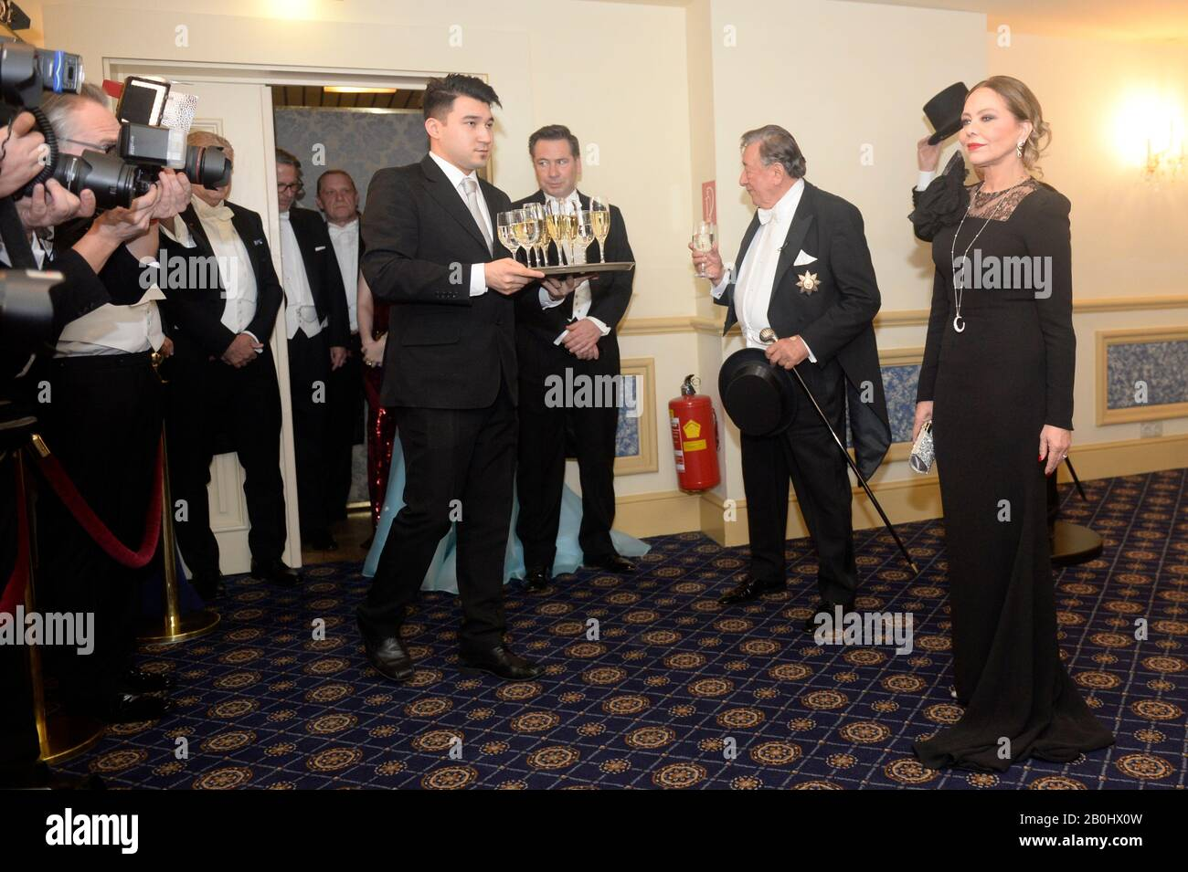 Vienna, Austria. 20th Feb, 2020. Photocall with Ornella Muti in evening dress for the Opera Ball 2020 in Vienna. Picture shows Ornella Muti in the evening dress on the far right. Credit: Franz Perc / Alamy Live News Stock Photo