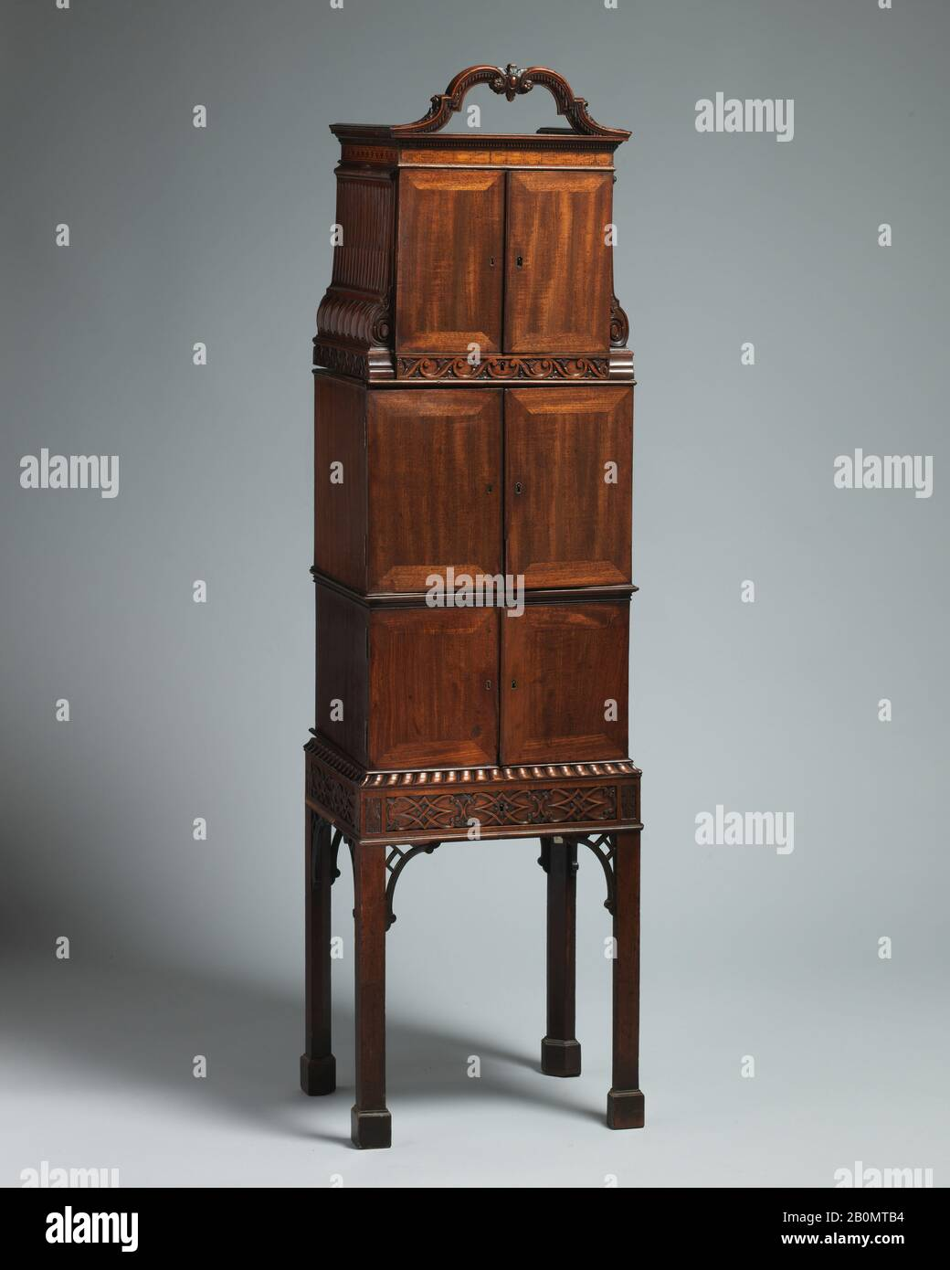 Mahogany Cabinet High Resolution Stock Photography And Images Alamy