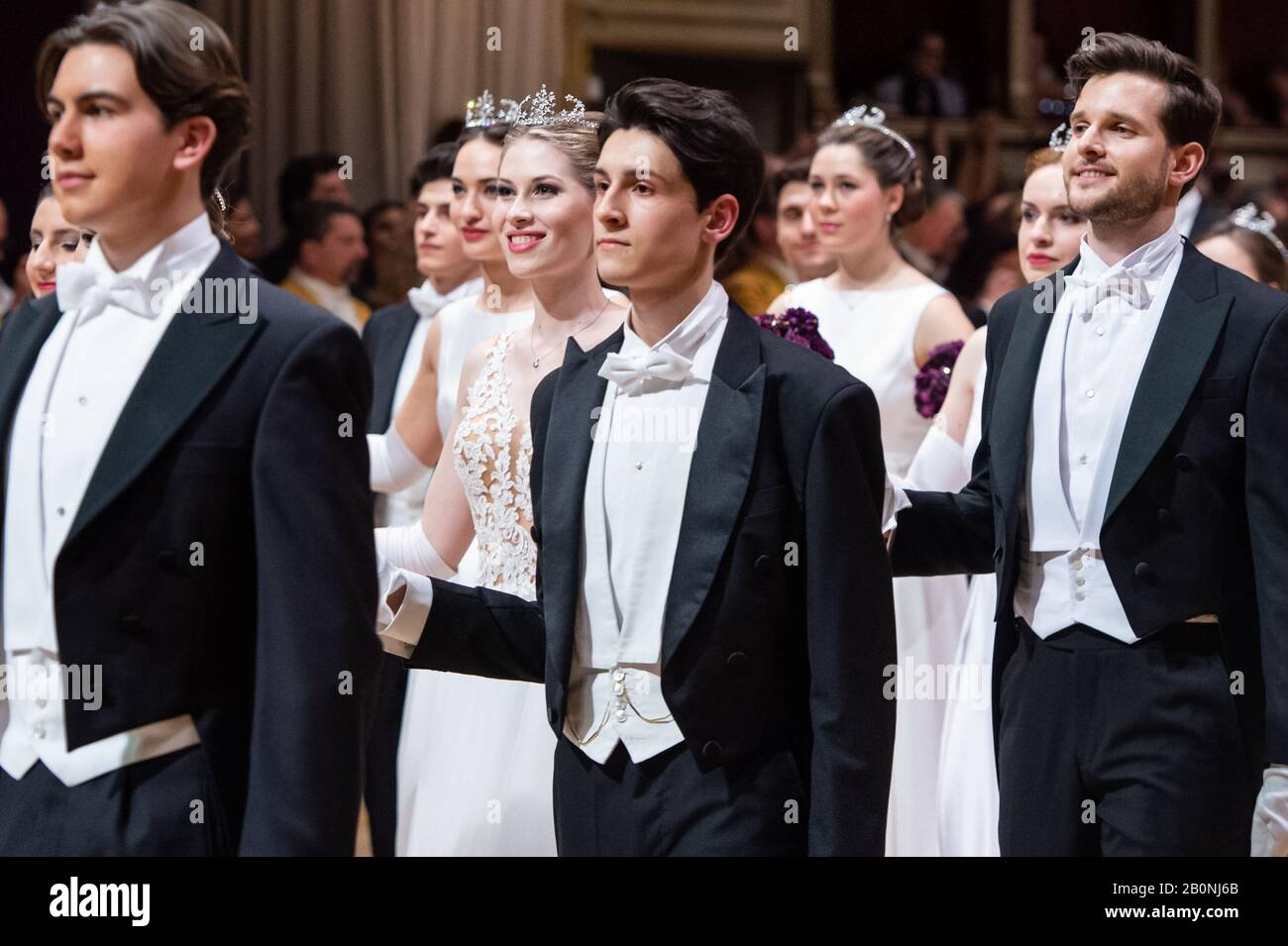 Vienna, Austria. 20th Feb, 2020. Dancers attend the Opera Ball at the State Opera House in Vienna, Austria, Feb. 20, 2020. The 2020 Vienna Opera Ball was held on Thursday night. Credit: Guo Chen/Xinhua/Alamy Live News Stock Photo
