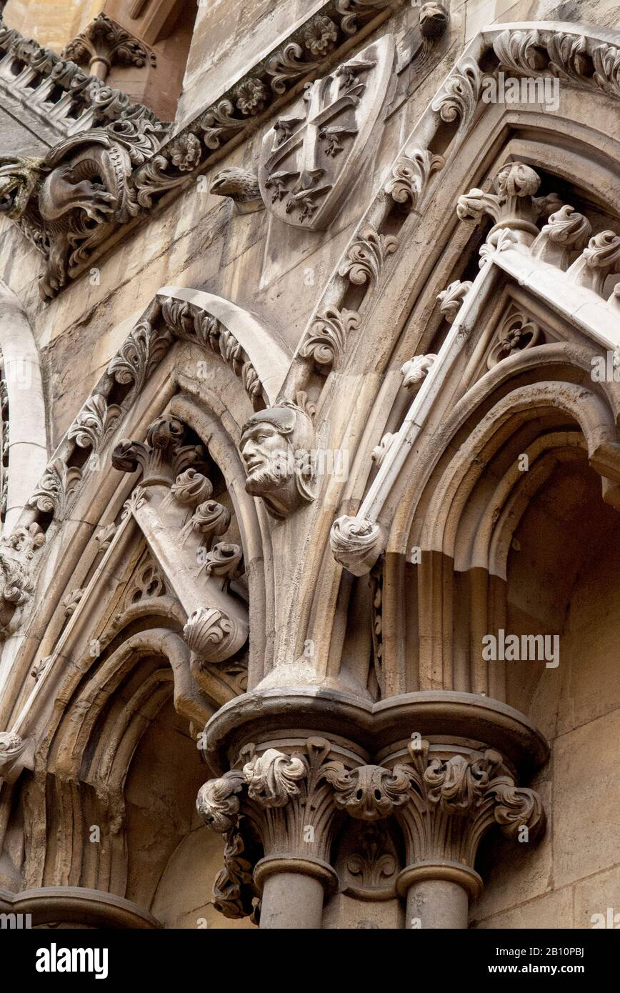 Stone carving on facade of Westminster Abbey. Westmister, London, United Kingdom Stock Photo