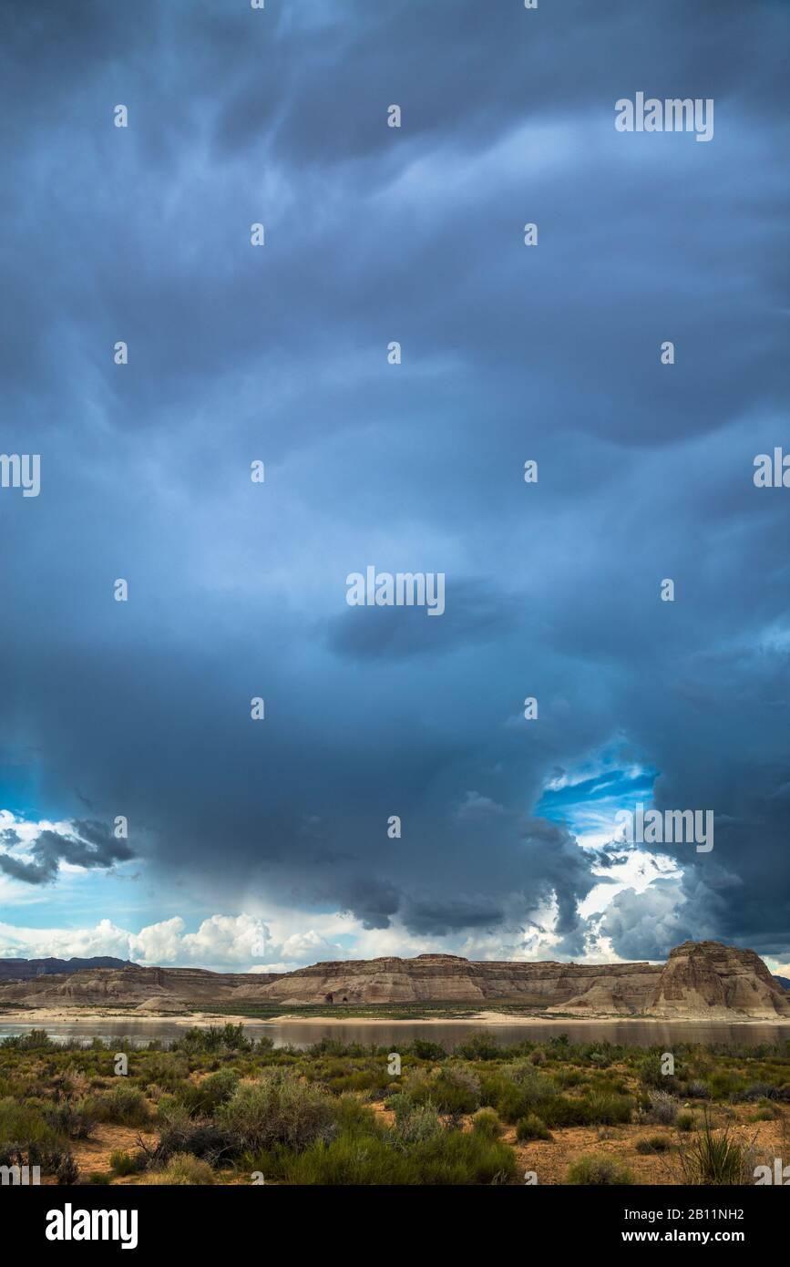 Thunderstorm on Lake Powell, Glen Canyon, Utah, USA Stock Photo