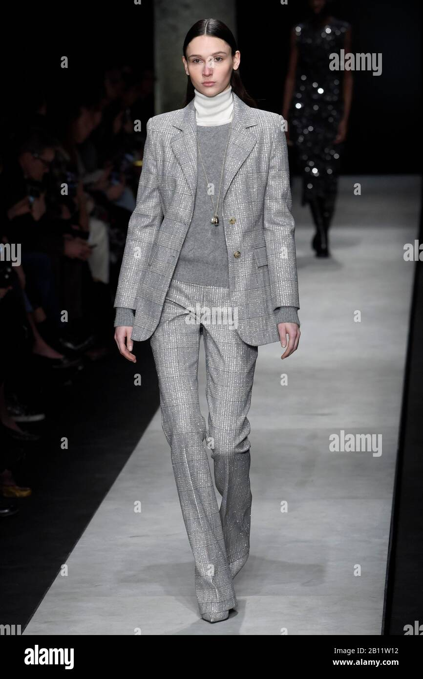 Milan Italy 22nd Feb 2020 Milan Fashion Week Woman Fall Winter 2020 2021 Milan Women S Fashion Autumn Winter 2020 2021 Ermanno Scervino Fashion Show Pictured Model Credit Independent Photo Agency Alamy Live News Stock Photo Alamy