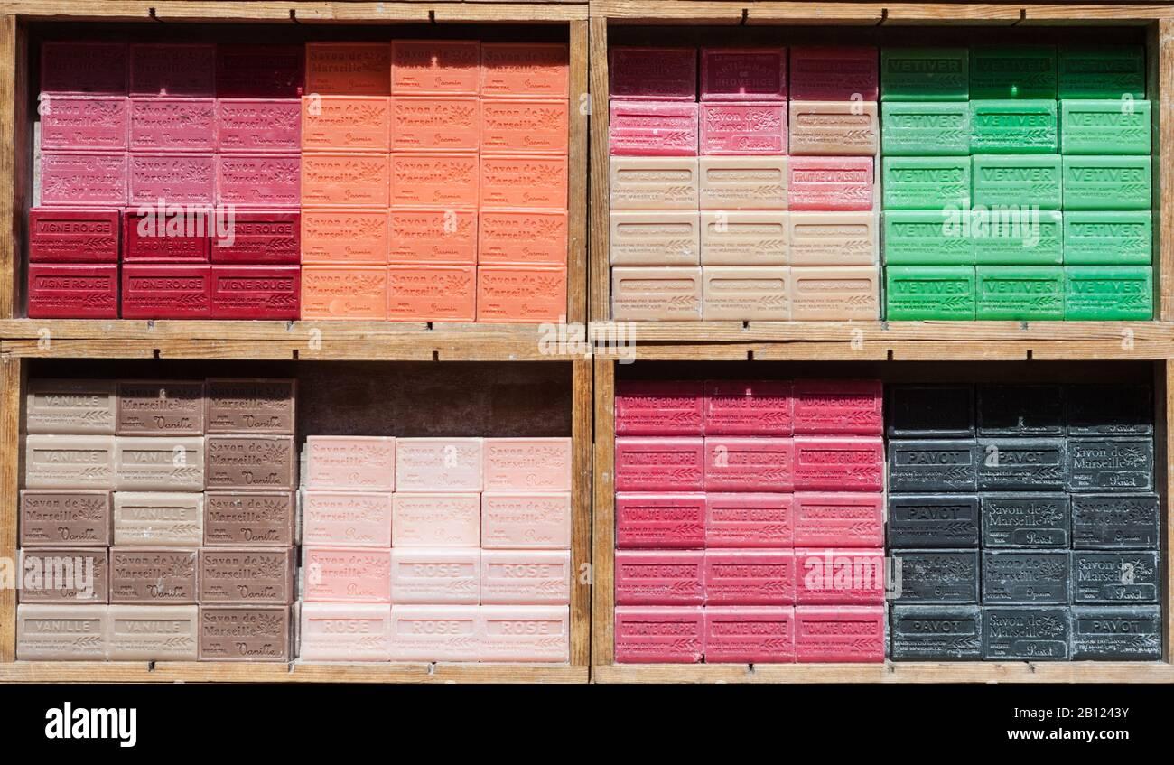 Drap De Bain Savon De Marseille savon stock photos & savon stock images - alamy