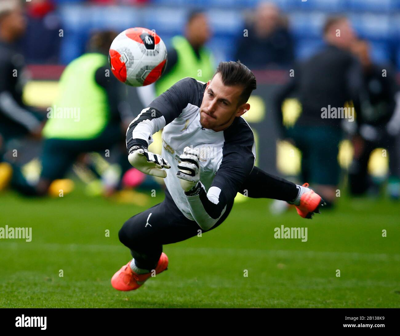 LONDON, UNITED KINGDOM. FEBRUARY 22 Newcastle United's Martin Dubravka during the pre-match warm-up during English Premier League between Crystal Palace and Newcastle United at Selhurst Park Stadium, London, England on 22 February 2020 Credit: Action Foto Sport/Alamy Live News Stock Photo