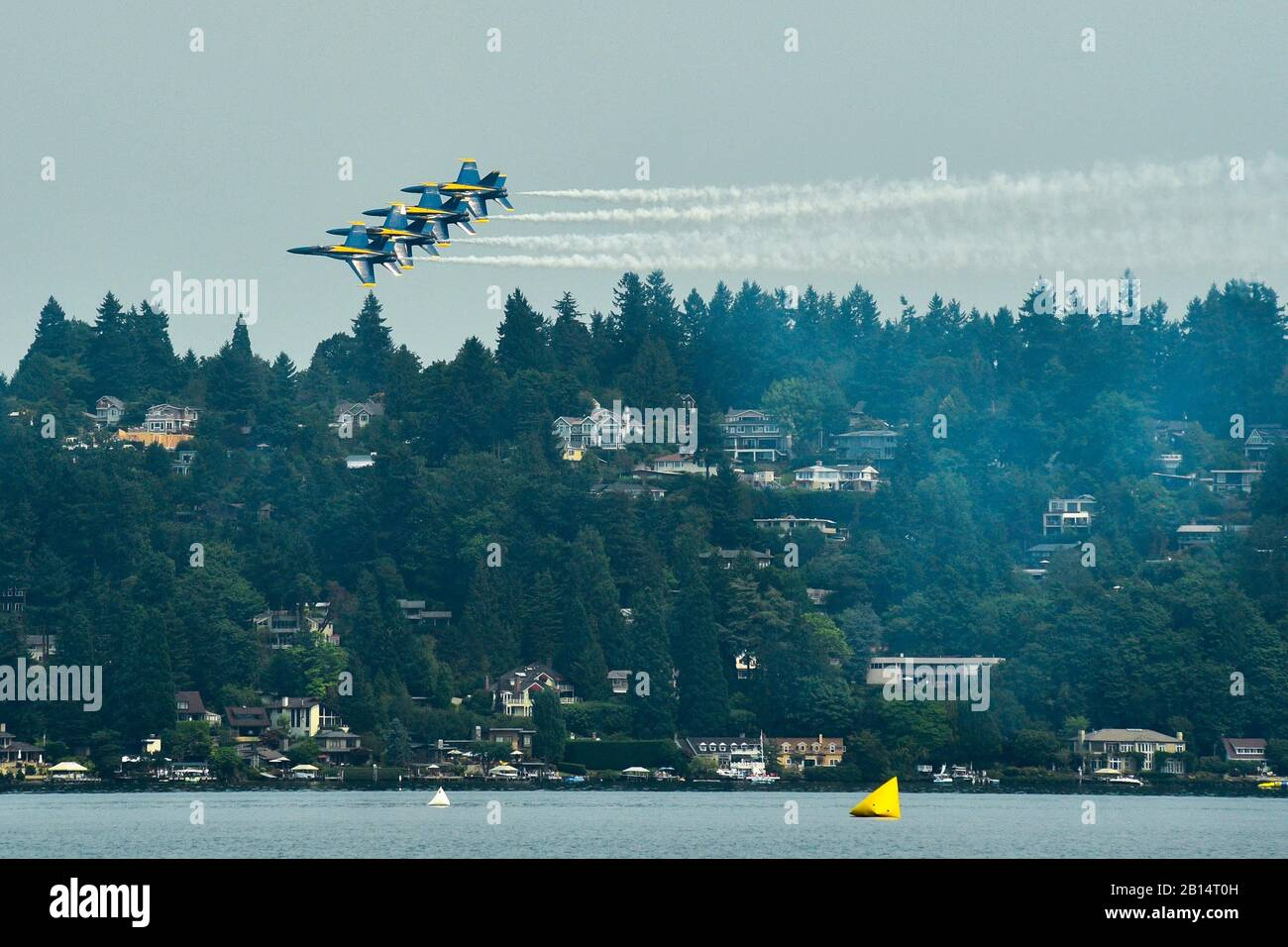 170805-N-SH284-443 SEATTLE (Aug. 5, 2017) The U.S. Navy Flight Demonstration Squadron, the Blue Angels, fly in formation over Lake Washington, during the 68th annual Seafair Fleet Week. Seafair Fleet Week is an annual celebration of the sea services wherein Sailors, Marines and Coast Guard members from visiting U.S. Navy and Coast Guard ships and ships from Canada make the city a port of call. (U.S. Navy photo by Mass Communication Specialist 2nd Class Vaughan Dill/Released) Stock Photo