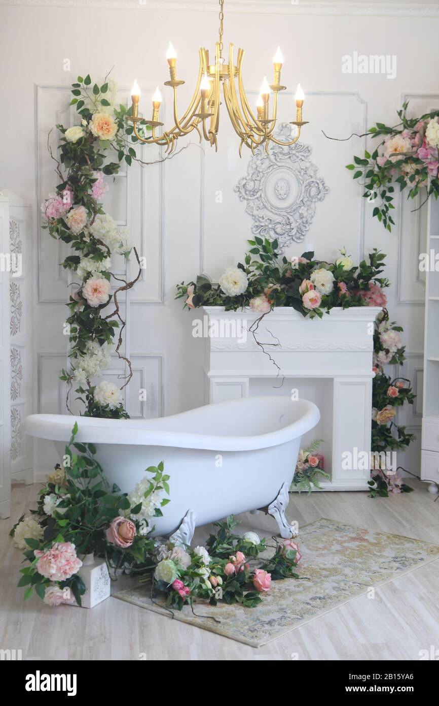 Interior of luxury vintage bathroom Stock Photo - Alamy