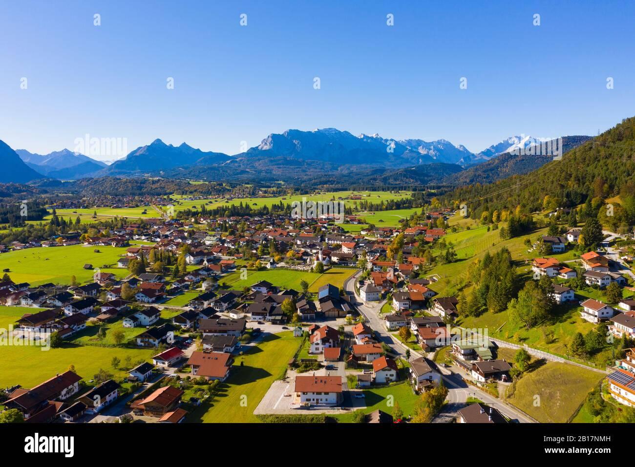 Gemeinde Wallgau vor Wettersteingebirge, Luftaufnahme, Werdenfelser Land, Oberbayern, Bayern, Deutschland, Stock Photo