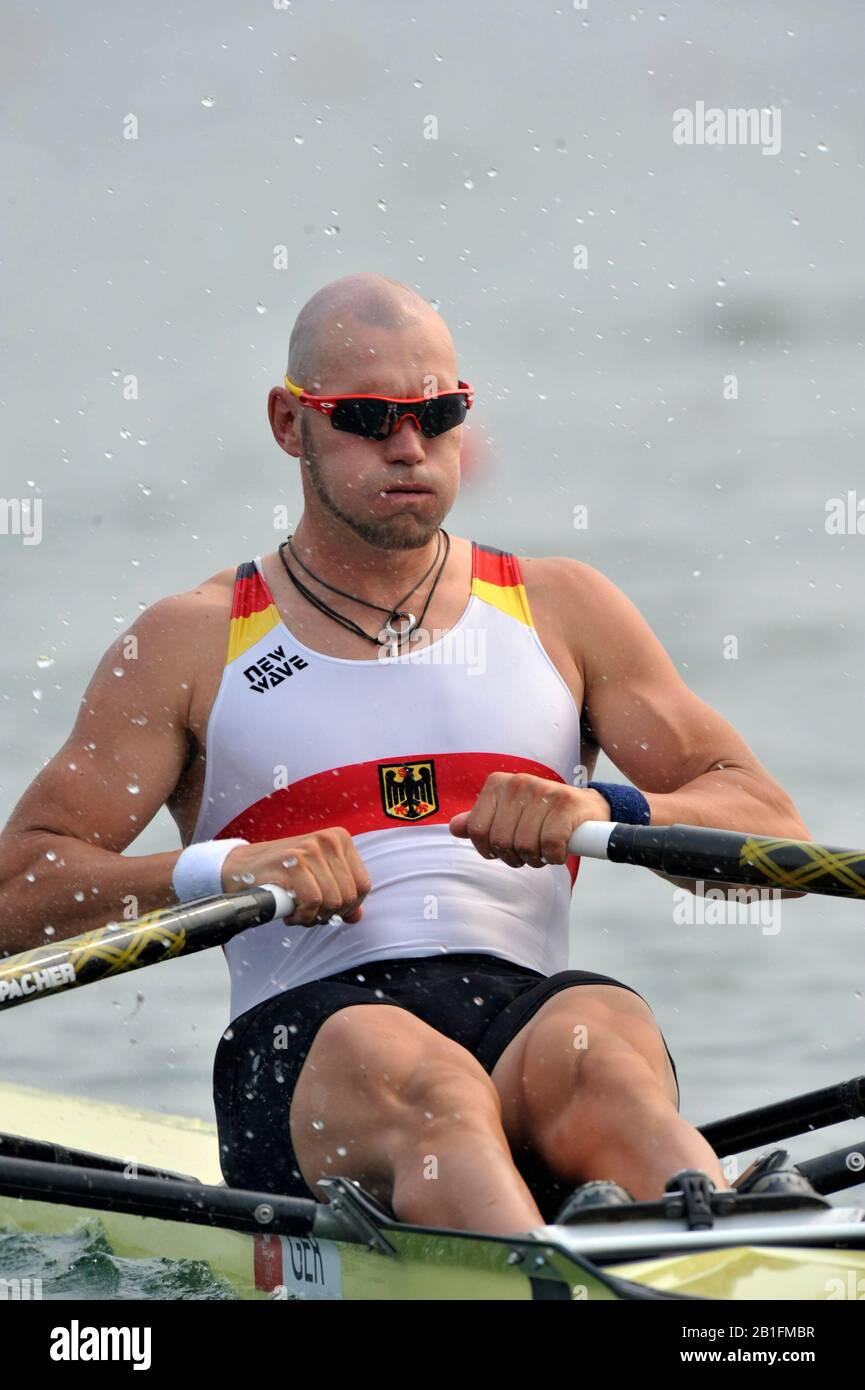 Shunyi, CHINA. GER. M1X,  Marcel HACKER, moves away from the start in his heat of the men's single sculls at the 2008 Olympic Regatta,  Saturday, 09.08.2008  [Mandatory Credit: Peter SPURRIER, Intersport Images] Stock Photo