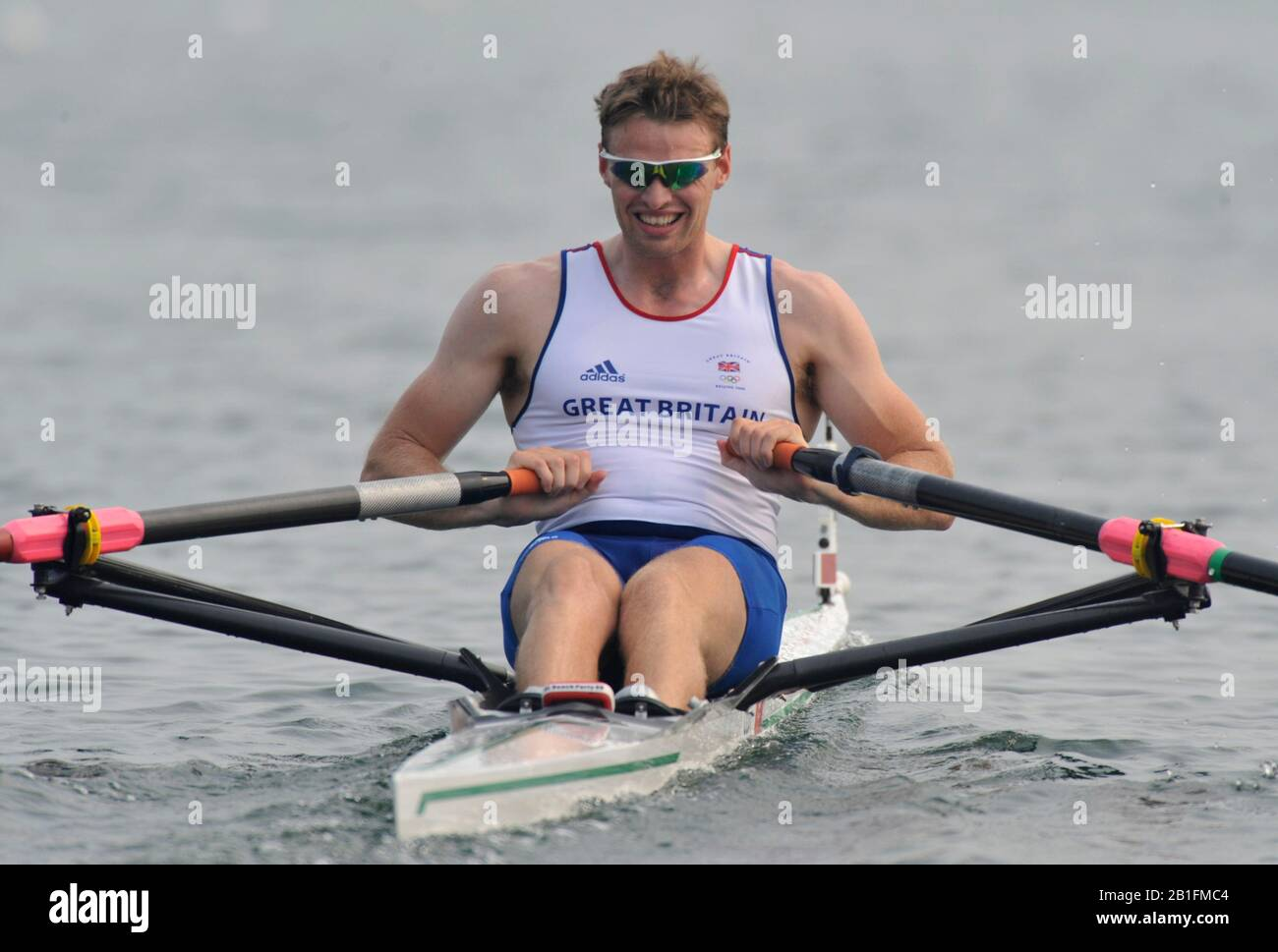 Shunyi, CHINA. GBR M1X Alan CAMPBELL, moves away from the start of his heat in the men's single scull at the 2008 Olympic Regatta,  Saturday, 09.08.2008  [Mandatory Credit: Peter SPURRIER, Intersport Images] Stock Photo
