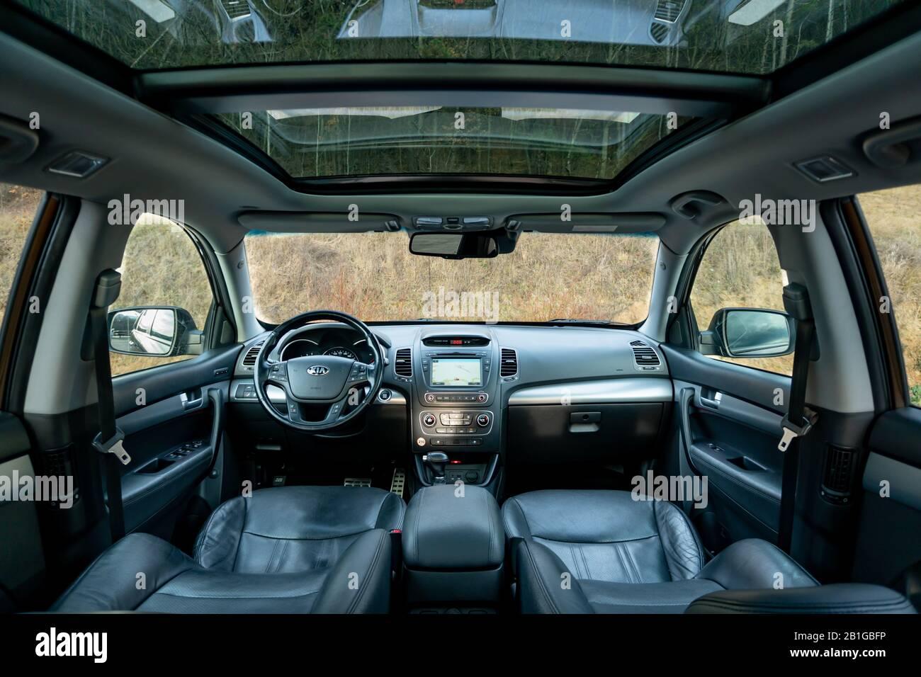 Inside detailed photo of wonderful SUV with panoramic glazed dach/sunroof - Kia Sorento Facelift Platinum Stock Photo