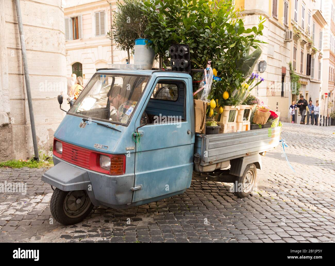 Piaggio Ape High Resolution Stock Photography And Images Alamy