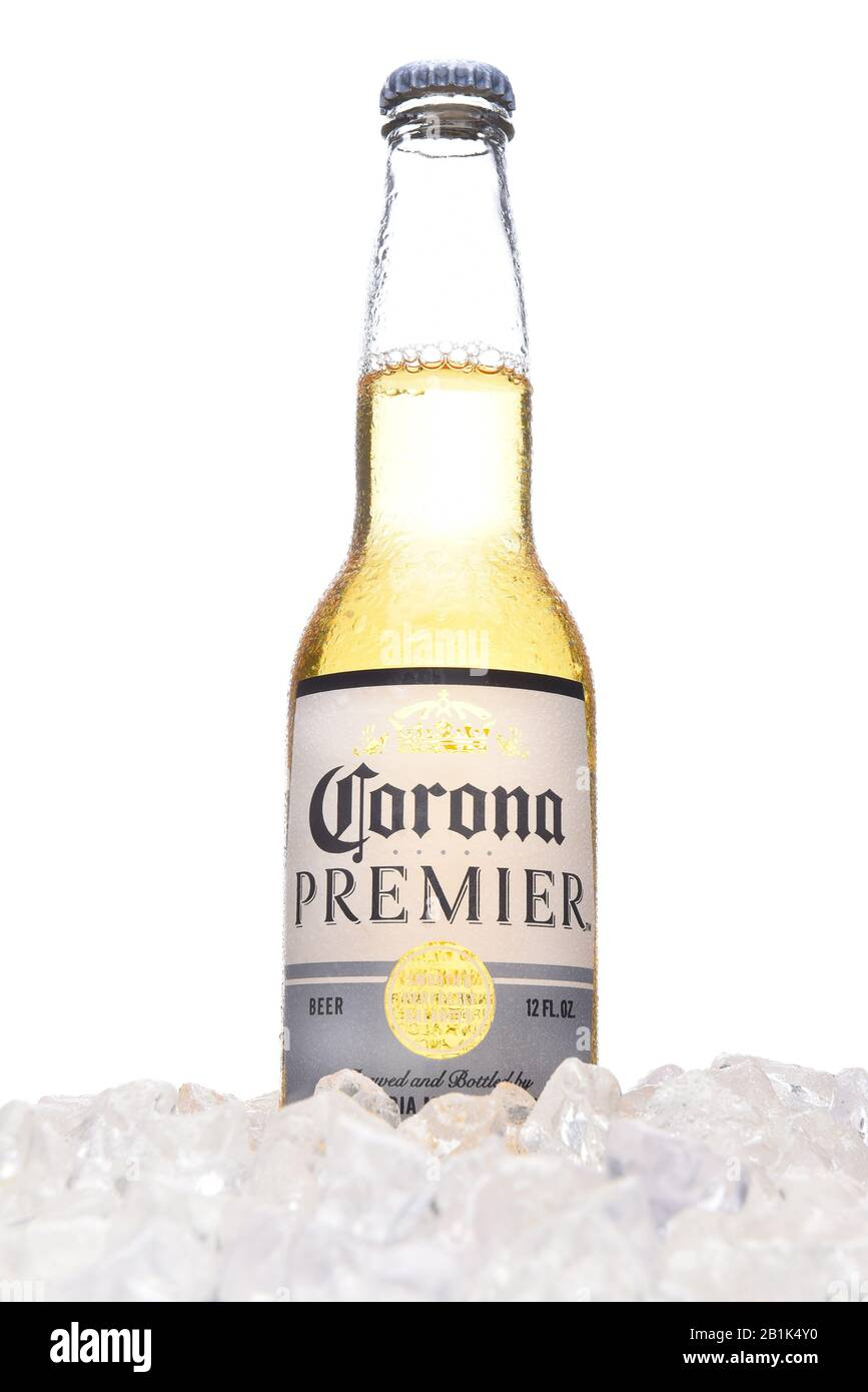 Page 10 Corona Beer High Resolution Stock Photography And Images Alamy