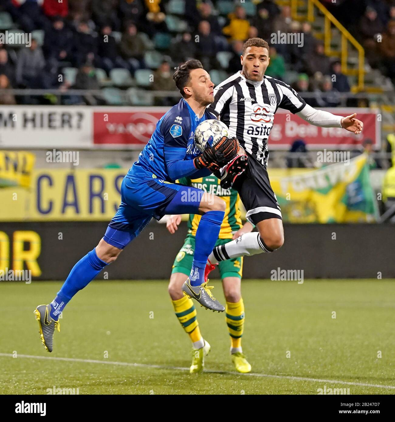 The Hague Netherlands 29th Feb 2020 The Hague 29 02 2020 Cars Jeans Stadion Ado Den Haag Dutch Eredivisie Football Season 2019 2020 Ado Goalkeeper Luuk Koopmans L And Heracles Player Cyriel Dessers R During
