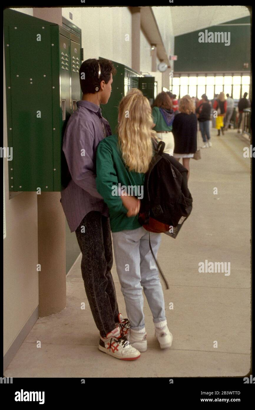 Austin Texas Bowie High School Student Activity In Hallways Between Classes C Bob Daemmrich Cdmr0911 2323 1022 0531 031 Stock Photo Alamy
