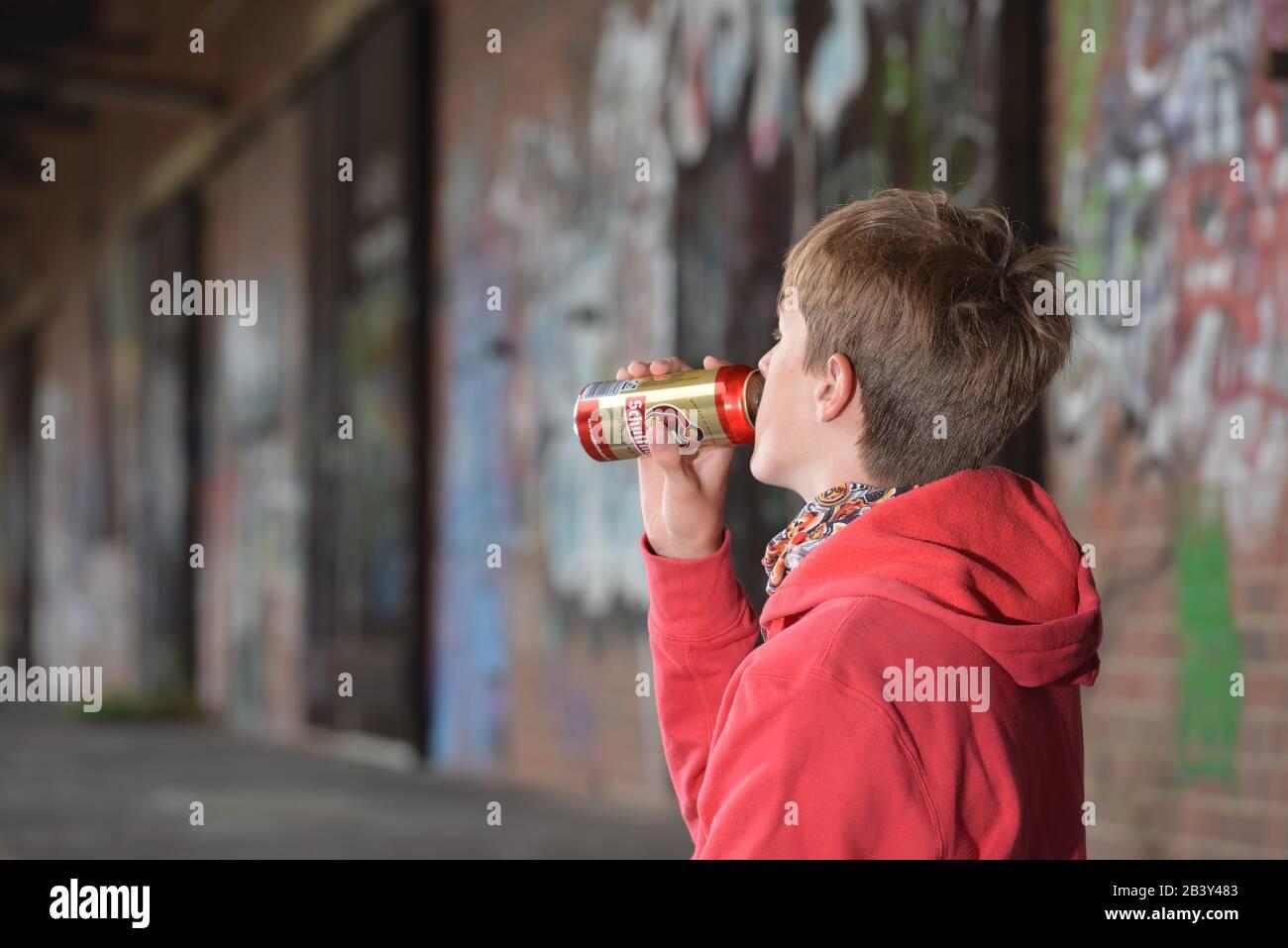 Jugendlicher, Bier, Trinken Stock Photo