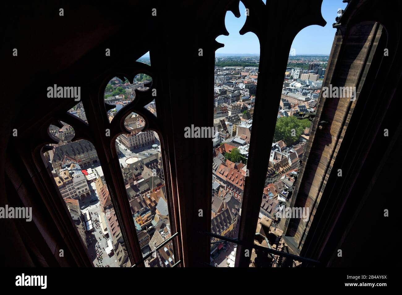 Terrasse Composite Bas Rhin cathedral square in strasbourg stock photos & cathedral