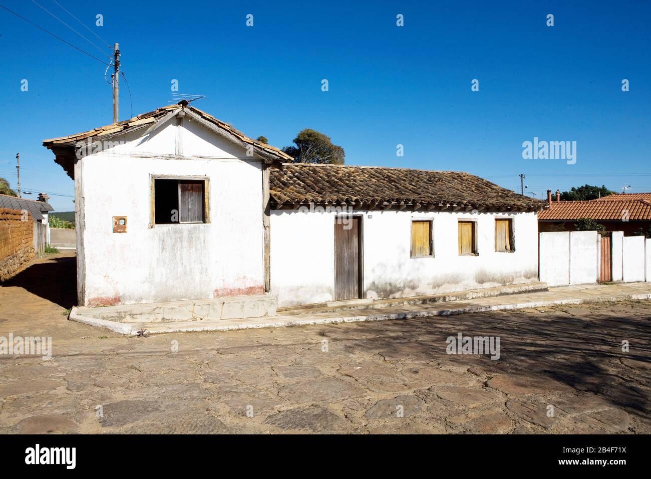 Casario e pavimento original de rua na cidade de Datas, colonial, barroco, Casario, Pavement, Original, Dates, Minas Gerais, Brazil Stock Photo