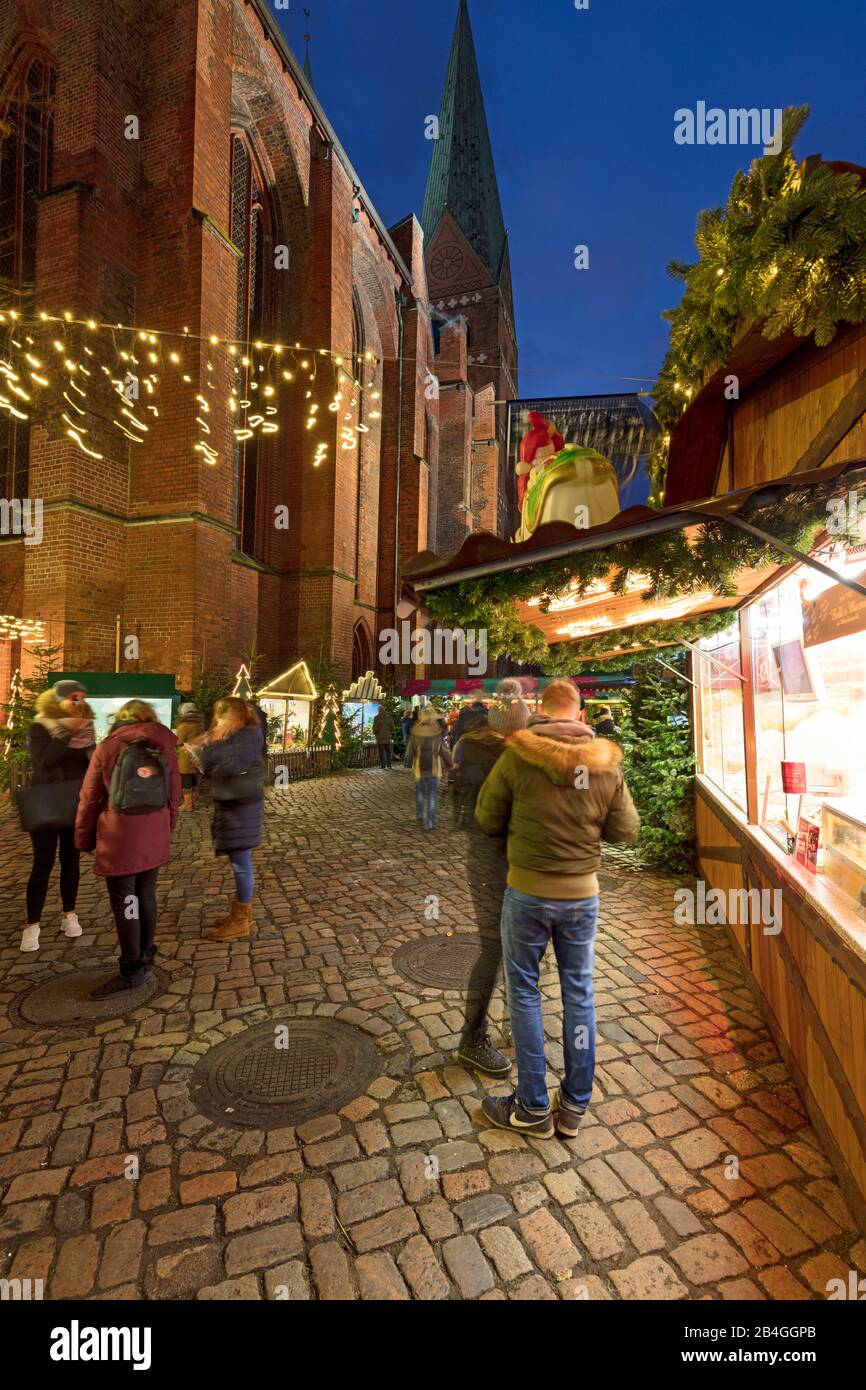 Christmas Market, St. Mary's, Cathedral, Church, blue hour, Hanseatic City, Lübeck, Schleswig-Holstein, Germany, Europe Stock Photo