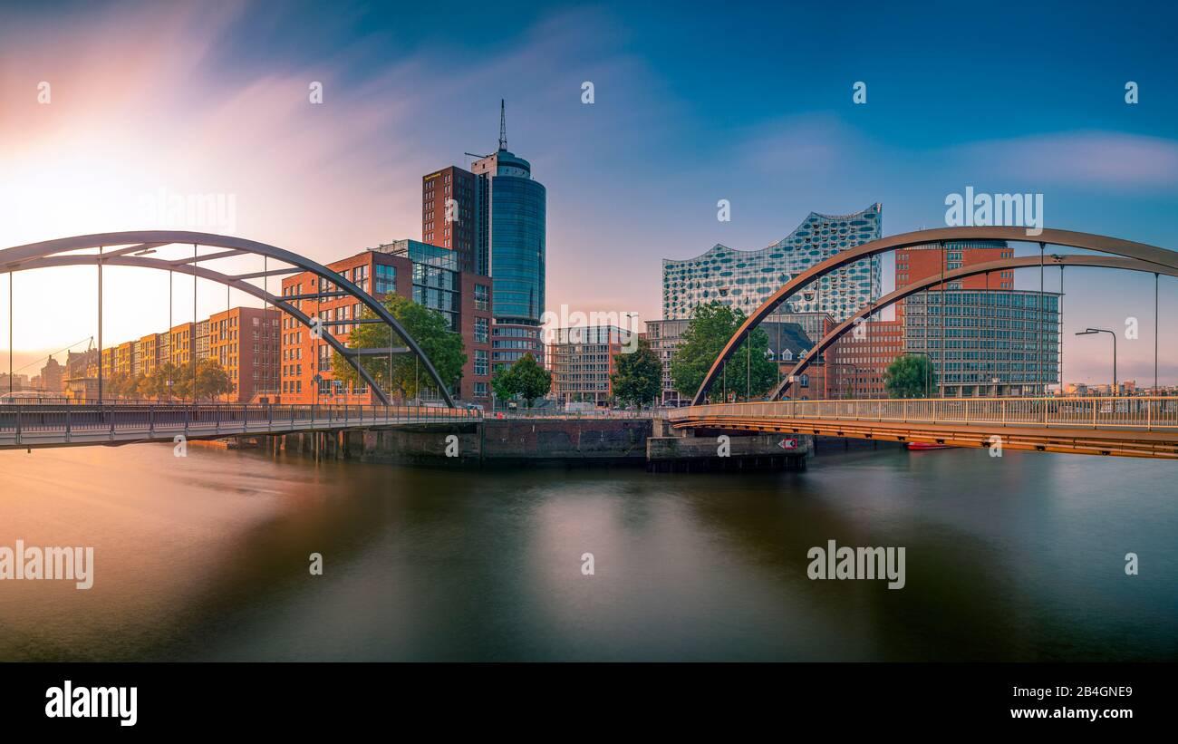 Deutschland, Hamburg, Elbe, Hafen, Hafencity, Baumwall, Elbphilharmonie, Niederbaumbrücke Stock Photo