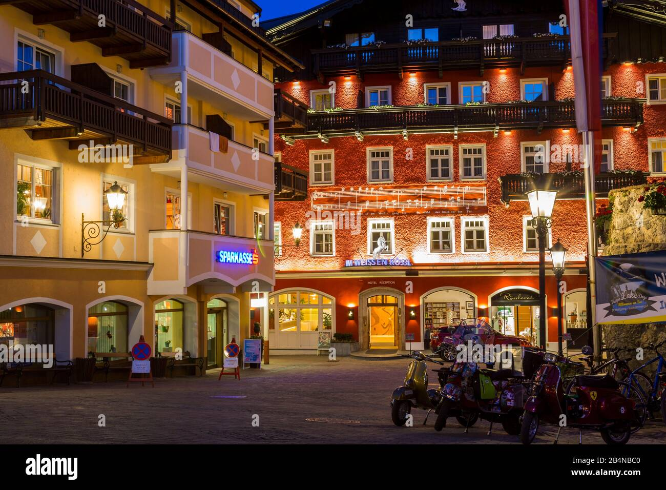 Outdoor Bar And Restaurant At Night In St Wolfgang Austria With Colorful Buildings Around An Urban Square At Twilight Stock Photo Alamy
