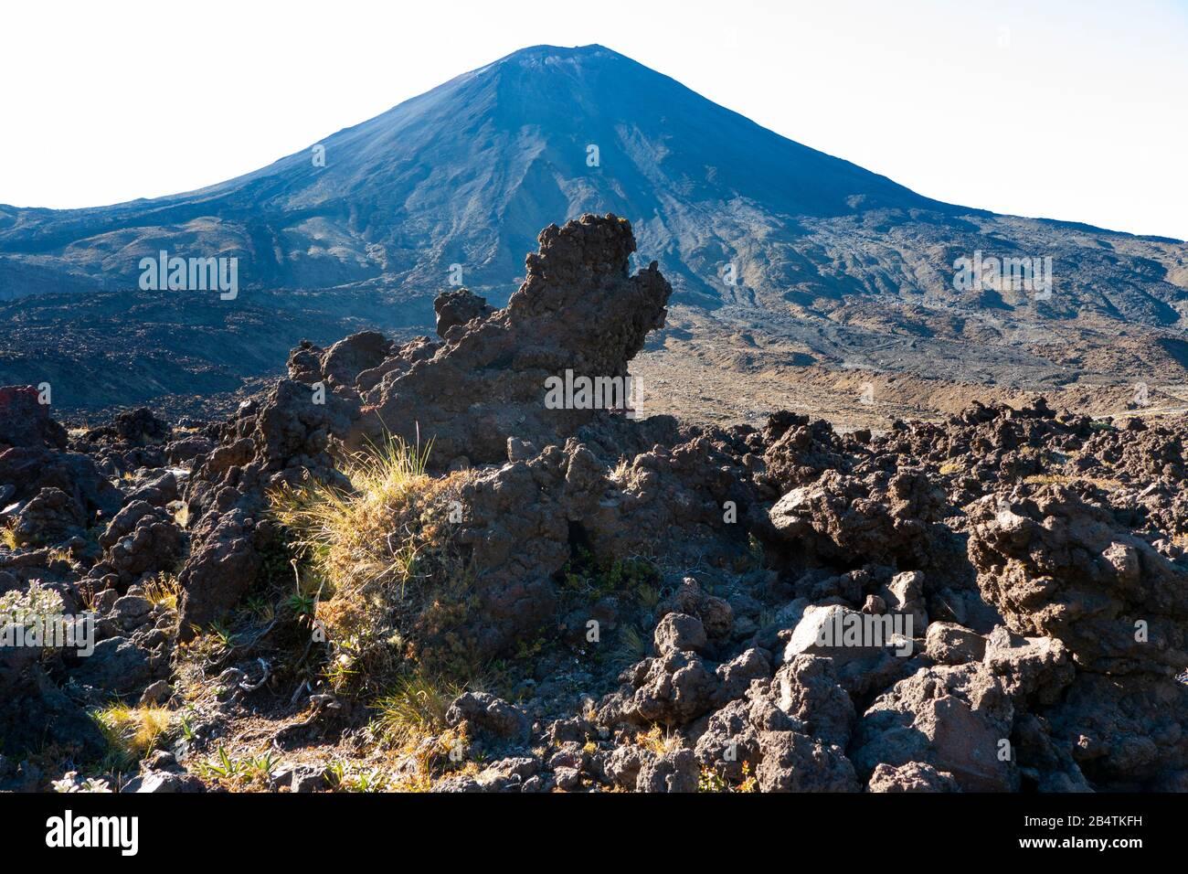 Volcanic rock formations and Mount Ngauruhoe, Tongariro Alpine Crossing, New Zealand Stock Photo