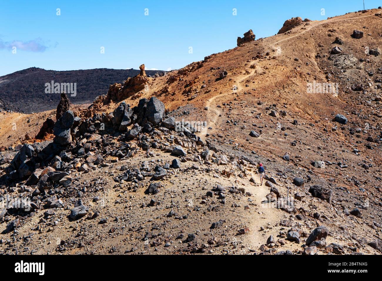 Volcanic rocks on the slopes of Mount Tongariro, Tongariro Alpine Crossing, New Zealand Stock Photo