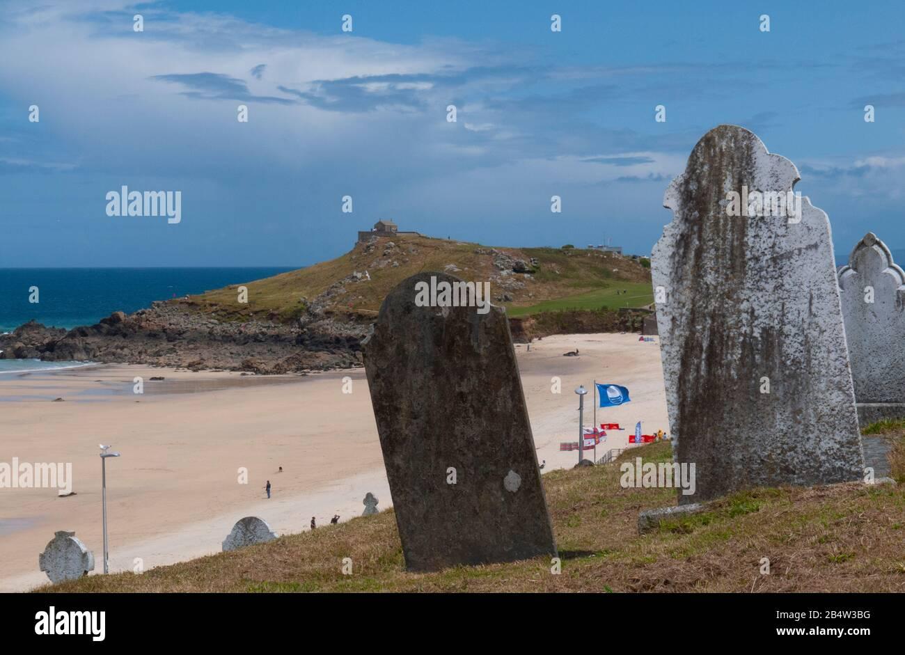 Barnoon Cemetery, Porthmeor Beach and the Island, St Ives, Cornwall, United Kingdom Stock Photo