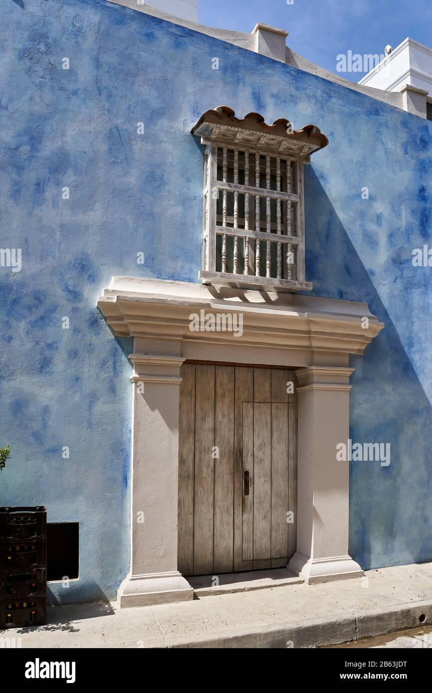 Decorative street house facade in old town Cartagena, Colombia Stock Photo