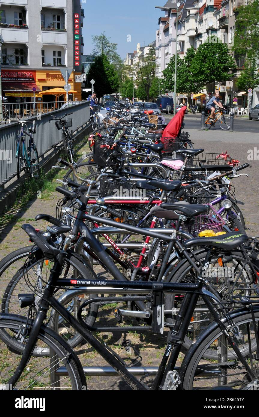 Fahrrad Parkplatz High Resolution Stock Photography And Images Alamy