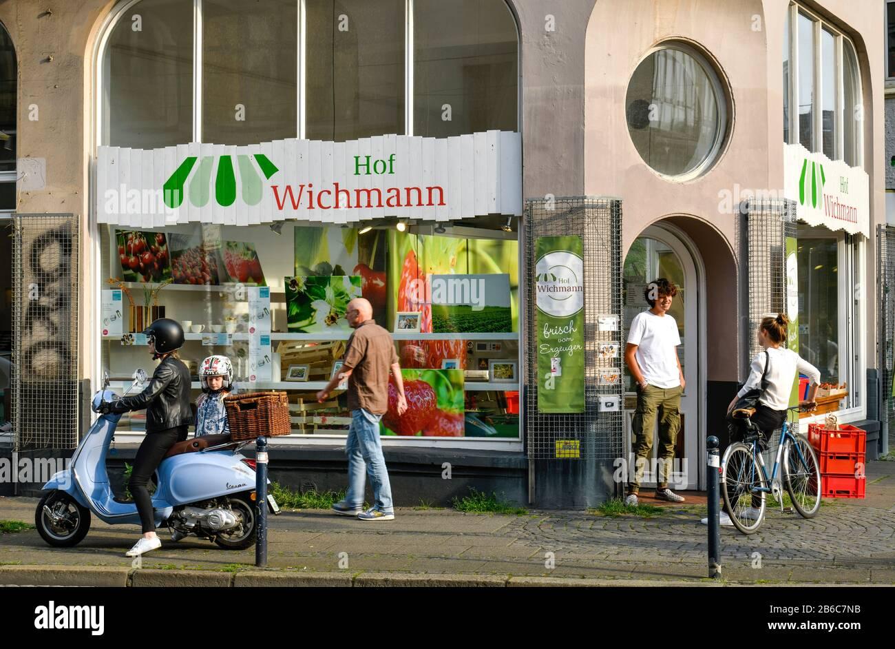 Straßenszene, Bioladen Hof Wichmann, Ostertorsteinweg, Ostertor, Bremen, Deutschland Stock Photo