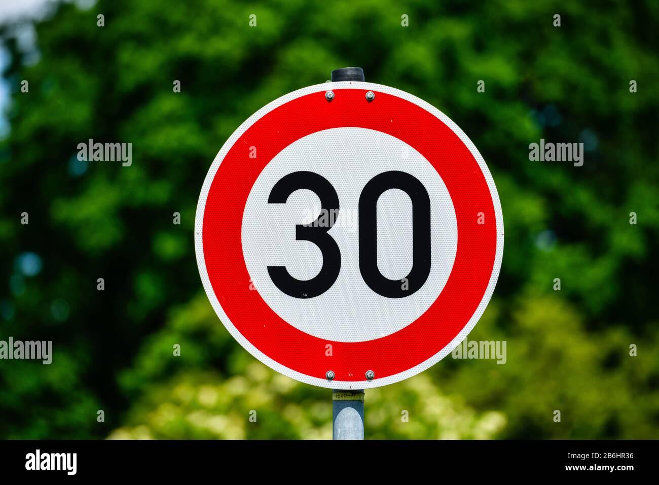 Tempo 5 km//h Geschwindigkeitsbegrenzung Schild Symbol