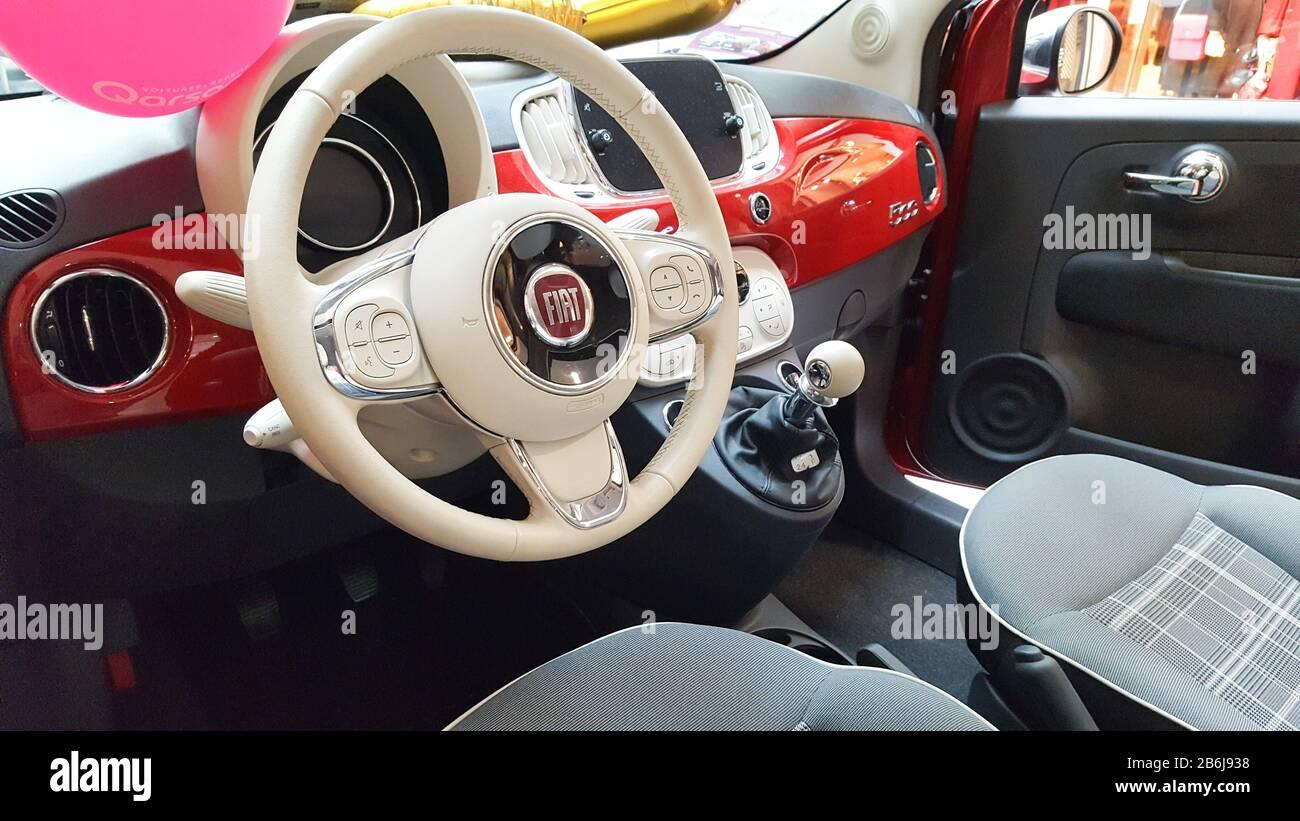 Nieuw Fiat 500 Interior Stock Photos & Fiat 500 Interior Stock Images UP-59